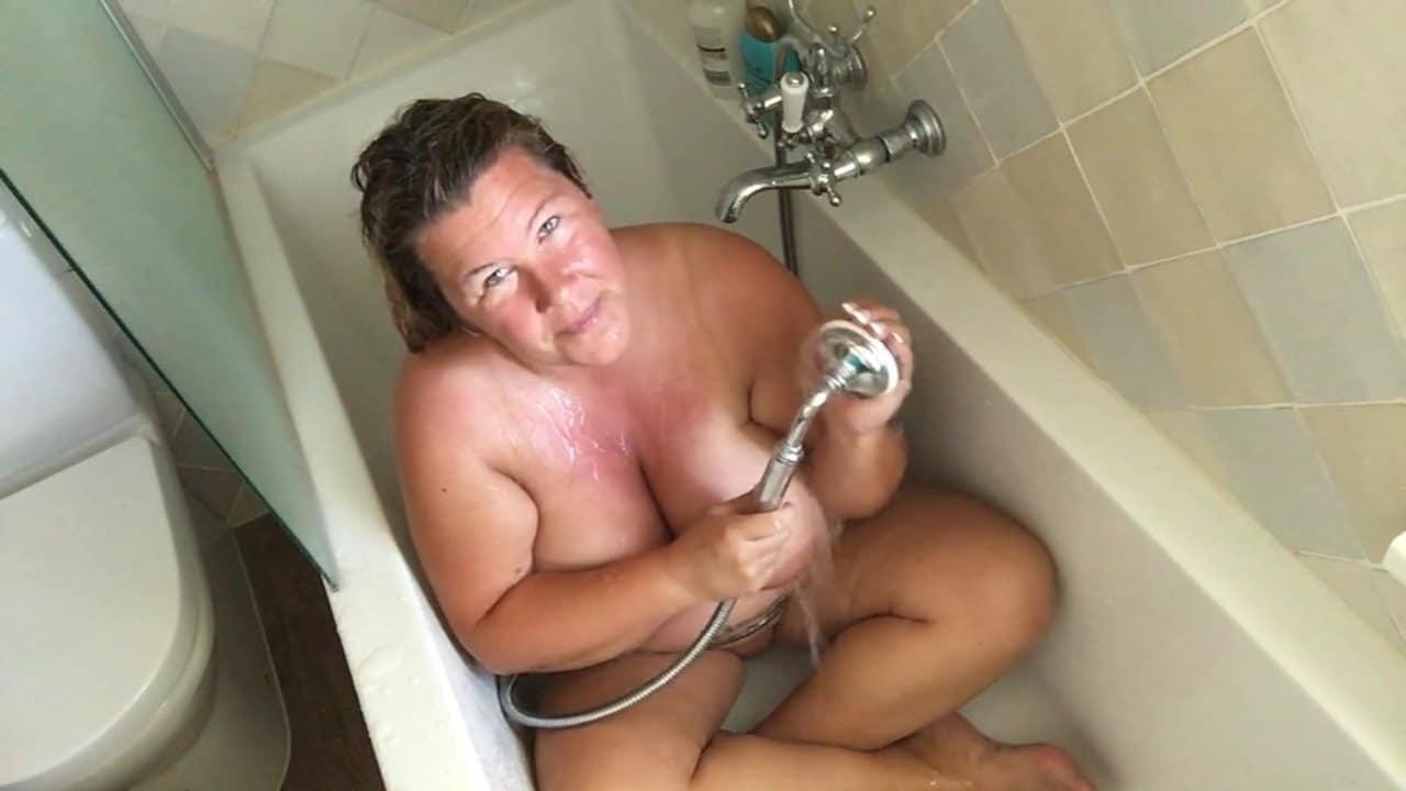 Footjpob unter der Dusche