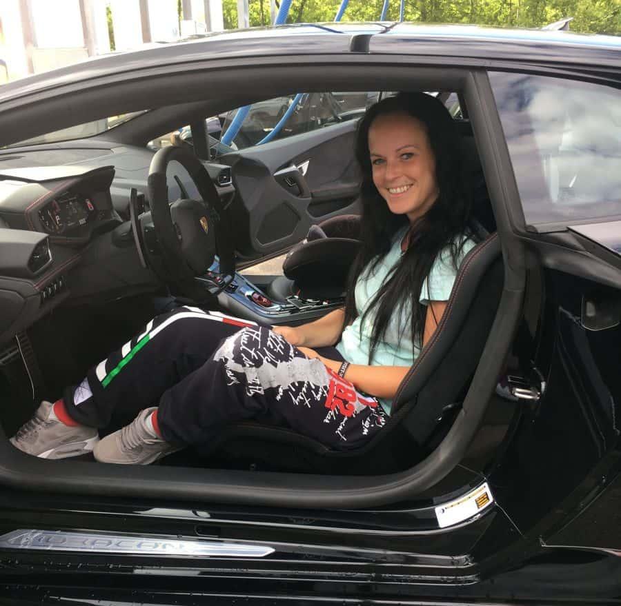 Pearlin im Lamborghini