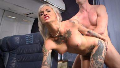 So mag ein Fick im Flugzeug auch aussehen..