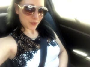 ViolettaAngel im Auto